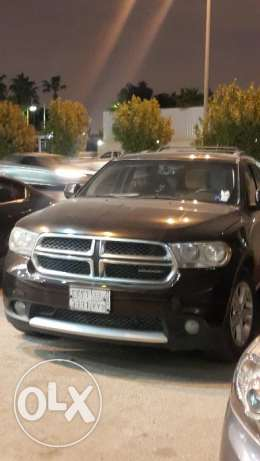 Dodge durango crew 2013 for sale in very good condition