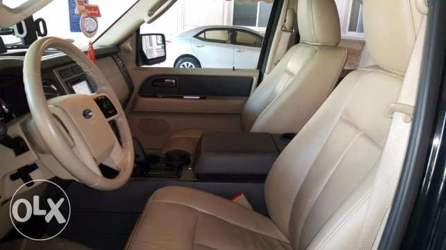 Ford Expedition XLT 2014, automatic, 45500 KM still under warranty الخبر -  1