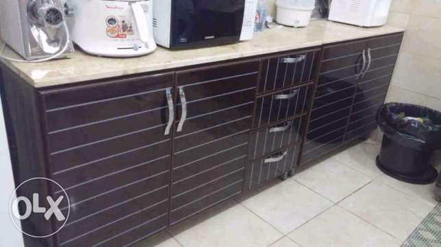 kitchen cabinet with free items جدة -  1