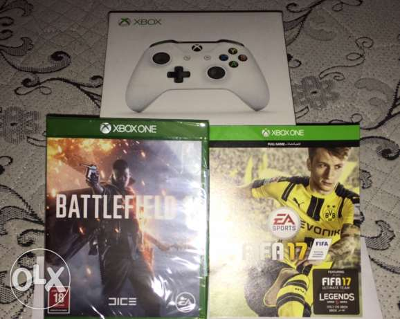 Xbox one s controller + 2 new games