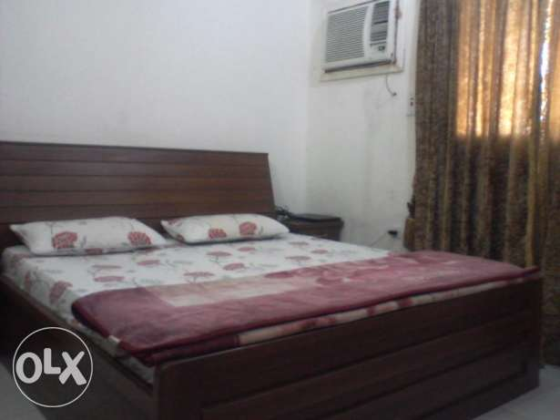 Furnished Room Available for Single Pakistani/Indian Muslim Executive