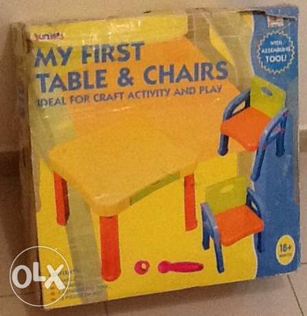 table and 2 chairs for kids - طاولة وعدد ٢ كراسي للاطفال