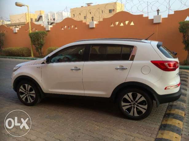 Kia Sportage EX, 2013, automatic, AWD, new tires, excellent condition