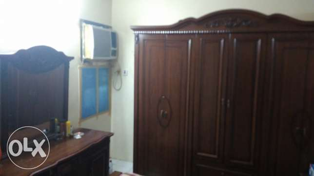 Excellent condition. King size bedroom set Bedroom set الدمام -  2