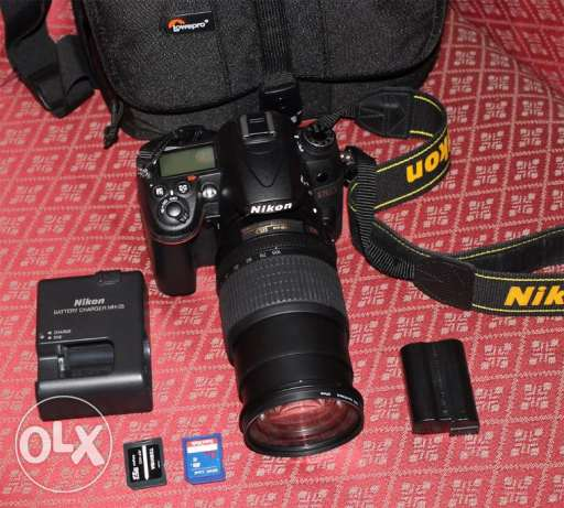 Nikon d7000 professional camera 18-105mm for sale